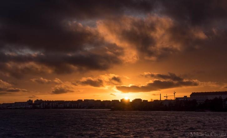 Auringonlasku Lauttasaaressa