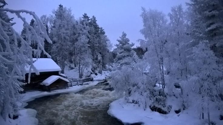 Pienen Karhunkierroksen kruunaa Myllykoski ja Kuusamon kaupungin ylläpitämä vanha päivätupa.